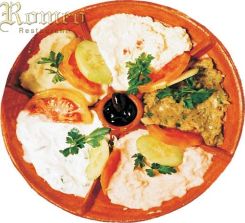 PLATE_OF_GREEK_HORS__D_OEUVRES